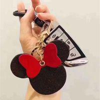 Moda Girls Keychain Cartoon Big Ear Keyring Classico BWown PU Charm Catena chiave per la catena di auto per Borsa per auto Portachiavi Anello Mouse Design Accessori