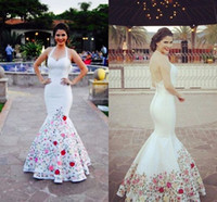 2021 New Printed Embroidered Evening Dresses White Satin Halter Top Mermaid Style Open Back Mexican Women Prom Dress Custom Formal Evening