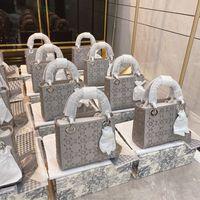 2021 Lady Mini Gri Elmas Parlak Çanta Tasarımcılar Luxurys Yüksek Kalite Su Geçirmez Nakış Prenses Moda Kadın Tote Çanta Crossbody Borse Çanta