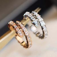 Luxuriöse Qualität v Goldmaterial Nein Veränderung Farbe Punk Ring Schlangenform mit allen Diamanten für Frauen Hochzeit Schmuck Geschenk PS8821