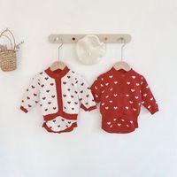Meninas bebê malha camisola roupas crianças amor coração manga longa cardigan + suspender romper 2 pcs conjuntos bebê criança dia dos namorados roupas A5607
