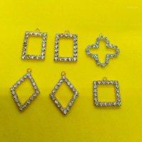 Кулон по еврокорскому сплаву со стеклянным кристаллическим модами леди Metal DIY ювелирные изделия аксессуары свисанки или спичка одежда 20201