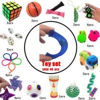 Novo squeeze brinquedos engraçados combinação 40 peças de solução de solvagem extrusivo crianças brinquedos Hot selling Vários estilos de brinquedo conjunto atacado