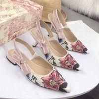 الصنادل النسائية جلد أنيق أحذية الزفاف الأزياء الأحذية المسطحة مصمم نمط الشريط القوس الربيع والصيف الأحذية اللباس الرسمي مع مدببة