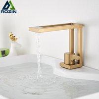 Design creativo Bacino rubinetto quadrato Spazzolato Oro Bagno Lavello Lavello miscelatore Miscelatore per rubinetto Punnello Freddo Freddo Acqua calda 2