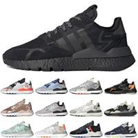 저렴한 나이트 조깅 남자 여성 스포츠 신발 트리플 블랙 화이트 조깅 야외 망 여자 트레이너 스포츠 스니커즈 주자 크기 36-45