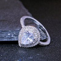 Tamaño 6-10 Anillos de compromiso para mujeres 925 Stearling Silvering Drop Water White CZ Diamond GemstonesWomen Boda Anillo nupcial 1285 B3