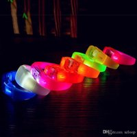 Musique Activé Contrôle du son à LED Bracelet clignotant Bracelet Éclair Bracelet Bracelet Club Barre de Partie Connexion Lumineuse Bague à main Glow Stick