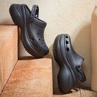 2021 Trend Yaz Ayakkabı Bayan Platformu Bahçe Ayakkabı Sandalet Kadınlar Için Tıkar ... Açık Croks Plaj Terlik Maşa # 1P0b