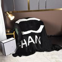 Schlafende Steppdecke Frauen Männer Multifunktionsmode Decken Luxurys Sofa Auto Klimaanlage Decken Home Office Nap Schlaf Hochwertige Decke