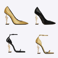 Clásicos zapatos de mujer sandalias de la moda de la playa zapatillas de fondo grueso alfabeto señora sandalias de cuero zapatos de tacón alto diapositivas zapato008 qt0021