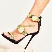 Sandálias Luxo relógio de ouro cravejado de calcanhar alto cadeia de metal decoração gladiador mulheres desenhador saltos festa sapatos mulher 2021