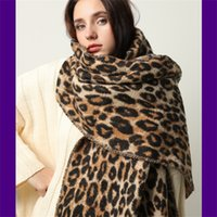 sciarpa inverno spesso Design per le donne Coperta scialli donna nappa e avvolgere animale stampa leopardo cashmere sciarpe pashmina foulard Y1105