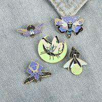 Cartoon Smalto NOCTILUCENCE Spilla fluorescente insetto fluorescenza Faleflizia Pins Unisex Butterfly Lega Anti-Light Fibbia Badge Badge Ornamenti Accessori