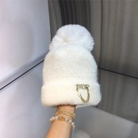 Gold Classic Letter Knitted Hats Star Accessories Wool Caps ...