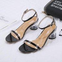 أحذية نسائية كلمة مشبك الصنادل الشفافة المرأة عالية الكعب الصيف جديد كعب كريستال سميكة الأحذية 1