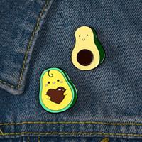 الأفوكادو الفاكهة المينا دبابيس دبوس للنساء أزياء اللباس معطف قميص ديمين معدن بروش دبابيس شارات تعزيز هدية 2021 تصميم جديد
