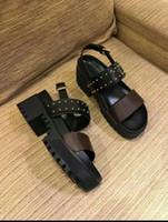 2020 Praia Womens Shoes Imprimir Leather Mulheres Designer Platform Sandals Gladiator Estilo Outdoor Plano Sandals All Black e preto Brown 35-40