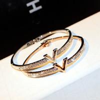 Gran lusso stilista frizzante Lettera V braccialetto braccialetto di diamanti di zirconio per la donna le ragazze in oro rosa 18 centimetri