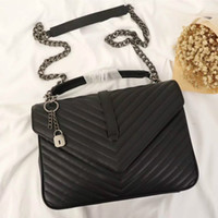 Diseñadores de lujo Bolsas de Crossbody Bolsos de cuero acolchado Mujer Bolsa de hombro de cadena negra Mujer Lady Messenger Cross Body Bag Bolse Venta al por mayor