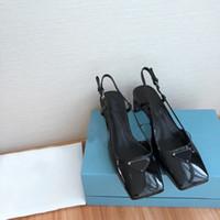 Chaussures en cuir réel de première classe pour femmes! Chaussures de créateurs de femmes de mode Tête plate Robe de mariée Chaussures officielles avec semelle en cuir véritable à B
