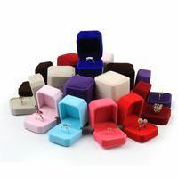 Оптом мода бархатные ювелирные изделия шкафы для лишь колец серьги гвоздики 13 цветных украшений подарок упаковки дисплей размером 5см * 5.5см * 4,5 см