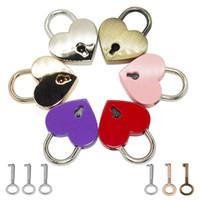 شكل قلب القفل خمر القديمة العتيقة نمط مصغرة الأهمية مفتاح قفل مع مفتاح السفر حقيبة يد حقيبة القفل cce4265