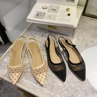 Sandalet 2021 Yaz Peri Rüzgar Polka Dot Mesh Moda Sivri Sığ Ağız Tüm Maç Düşük Topuk Ayakkabı1