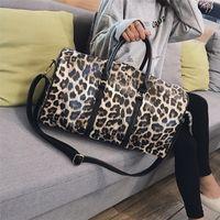 Bolsa de viaje de moda Mujeres de lona Llevar en bolsa de equipaje Impresión de leopardo PU Cuero Totes Totes Totes Ladies Grandes bolsas de fin de semana LJ201222