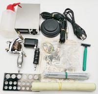 Neue KT025 Komplette Tattoo-Waffe-Kits 2 Maschinen Waffen Sets 10 Stück Nadeln Nadeln Stromversorgung Griffe Tattoo Guns Kits für Anfänger