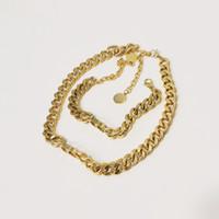 جديد الفاخرة مصمم مجوهرات النساء القلائد الذهب سلسلة سميكة قلادة مع د قلادة الفولاذ المقاوم للصدأ سوار قلادة مجموعة الأزياء سلسلة