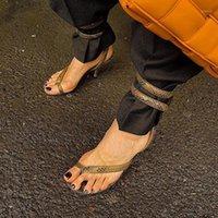 اللباس أحذية النساء كليب على المصارع الصنادل الكاحل التفاف الأفعى طباعة الجلود الخنجر عالية الكعب 2021 المشاهير الصيف روما نمط