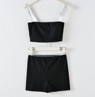 2021 Yeni Tasarım kadın Pist Moda Mektup Baskı Spagetti Kayışı Kısa Up-göbek Kırpma Üst Yelek Büstiyer Kaşkorse ve Kısa Suit