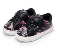 Hongteya 2020 милые девушки детские туфли мягкие удобные кожаные цветы детские кроссовки малышей девушки новорожденные ботинки младенца первого Walker LJ201104