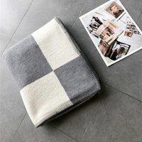 Design-Buchstabe H Cashmere-Decke Häkeln Weichwollschal Tragbare Warme Karierte Sofa Reisen Fleece Gestrickte Wurf Cape Decken Farben