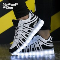 Size 35-46 Lighted led shoes for Children Boys Girls Large size Glowing Luminous Sneakers With Lights Couple Led Shoes for Adult 201130