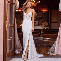 2021 New Sexy Straps with Mermaid Neckline Backless Wedding Dress An Elegant Dressed As a Side-slit Bride 92RK
