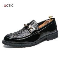 Flats Zapatos On ECTIC Yeni Zarif Rhinestones Glitter Dekor Erkekler Elbise Ayakkabı loafer'lar Terlik Lüks Düğün Erkek Kayma