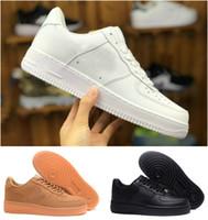 Top Calidad 2021 Fuerzas Hombres Zapatos de patineta baja barato Unisex 1 KNET EURO AIR AIR MUJER MUJERES TRABAJES DE CUERO ROJO NEGRO BLANCO Sneaker