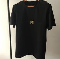 Nuovo design di lusso Design a spalla in oro fibbia a caldo stampaggio oro lettera nera bianco maniche corte in cotone girocollo t-shirt per le donne