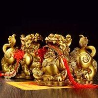 Feng Shui Golden Brass Pi Yao / Pi Xiu Prosperity Figurine, atrae la riqueza y la buena suerte, la mejor decoración para la oficina y el hogar T200703