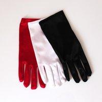خمسة أصابع قفازات أزياء المرأة قصيرة الساتان مساء اللباس الآداب الأسود الأبيض الأحمر بسط الرقص أداء حفلة موسيقية الكرة