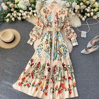 2020 Yeni Kadın Vintage Casual elbise Sonbahar Standı Yaka Düğme Puff Kol Uzun Robe Moda Şık Çiçek Streetwear Maxi Elbise yazdır