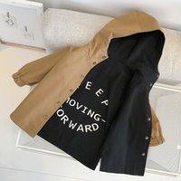 Одежда для новорожденного ребенок мальчика одежды младенец мальчика двухстороннего носимого письмо напечатанной средней длиной траншея пальто мода капюшона куртка LJ201007