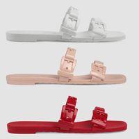 Tasarımcı Sandalet Zincir Terlik Kadınlar Kauçuk Slide Sandal En Patent Deri Flip Flop Düğme Sandal Moda Plajı Düz Terlik 5 Renk