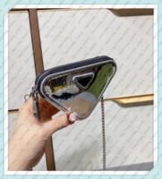 2021 مصممي الفمهات محافظ عملة محفظة إمرأة أعلى جودة أكياس مثلث مصغرة مع حزام الكتف الأزياء عارضة محافظ صغيرة 21011601q