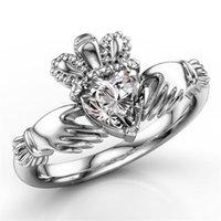 Einfache Art und Weise Schmucksache-Kronen-Hochzeit Ring 925 Sterlingsilber-Herz-Cut Weiß Topaz CZ-Diamant-Party-In populären Frauen-Verpflichtungs-Band-Ring