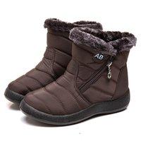 Hommes Womnen Winter Snow Boots Sneakers en cuir imperméable Bottes chaudes Hommes Bottes de randonnée en plein air Bottes de travail Chaussures de travail Taille 36-43