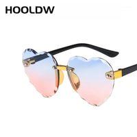 HOOLDW Neues Herz Randlose Kinder Sonnenbrillen Mode Herzform Kinder Sonnenbrille Mädchen draußen Reisen UV400 Schutz Eyewear1