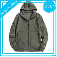 Topstoney 20FW Tela impermeable de la chaqueta de la cáscara suave con peluche en otoño e invierno Capa de rompevientos de los hombres